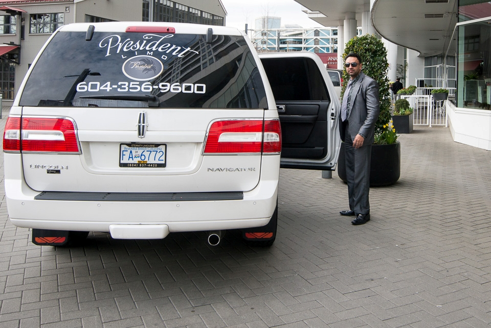 Limo service coquitlam - President Limo - Happy moments in vancouver (1)
